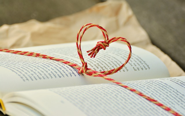 Free Stock Photo of Book with string heart. Photo courtesy Pixabay